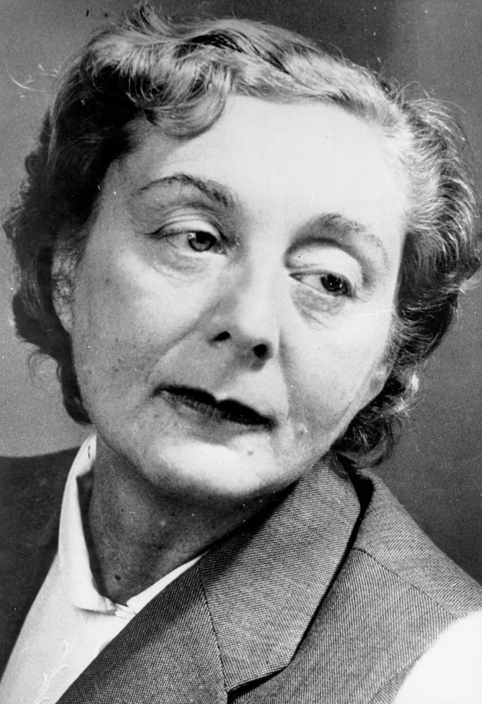 Jenny Erpenbeck's grandmother, the East German writer Hedda Zinner