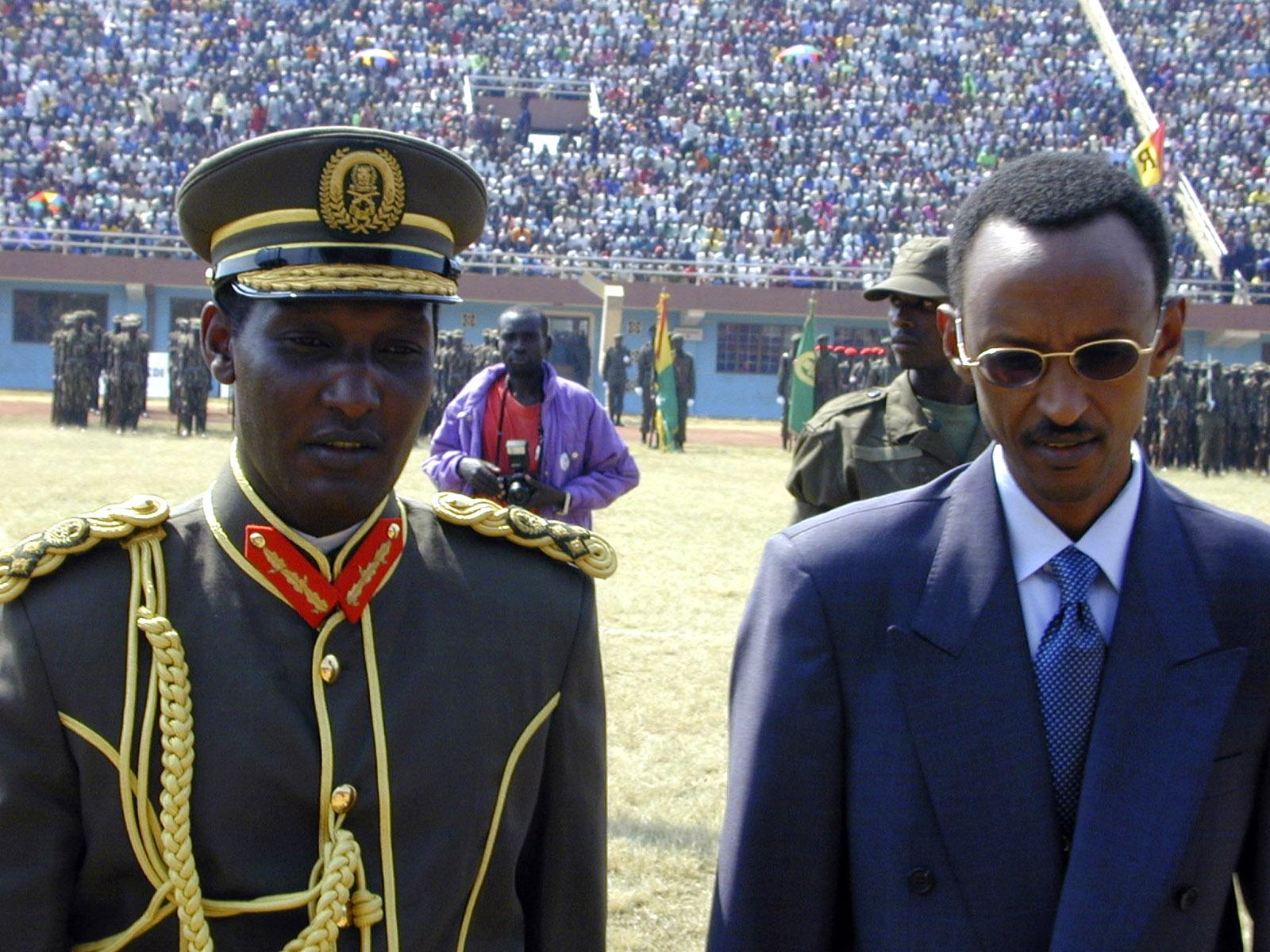 President Paul Kagame and Army Chief of Staff Kayumba Nyamwasa