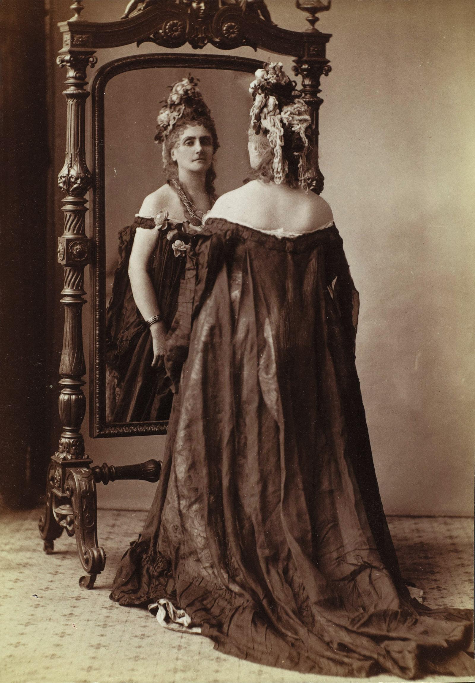 Virginia Oldoïni, Countess of Castiglione; photograph by Pierre-Louis Pierson